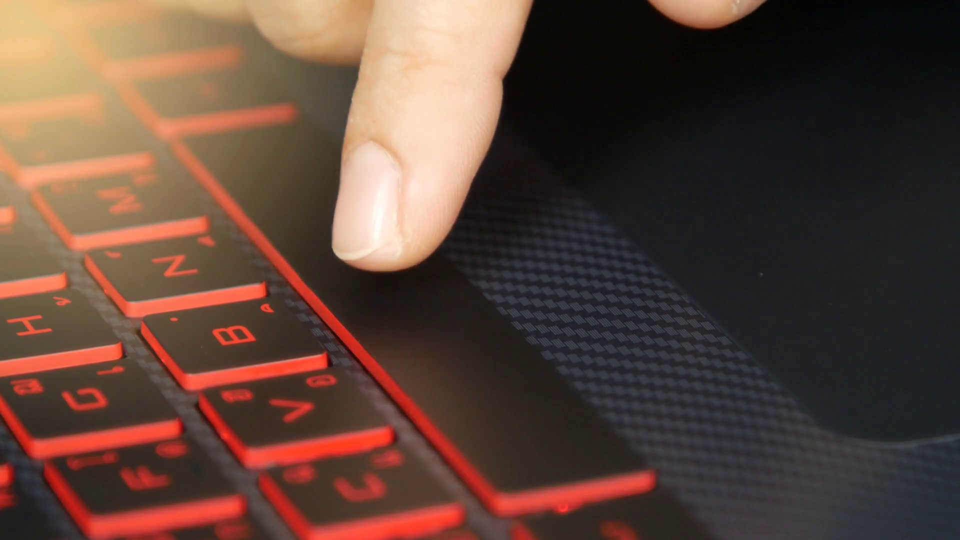 videoblocks-close-up-of-a-finger-pressing-space-bar-button-on-a-keyboard-laptop-keyboard_bvhvwrere_thumbnail-full10